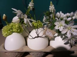 Ostergruss mit Blumen